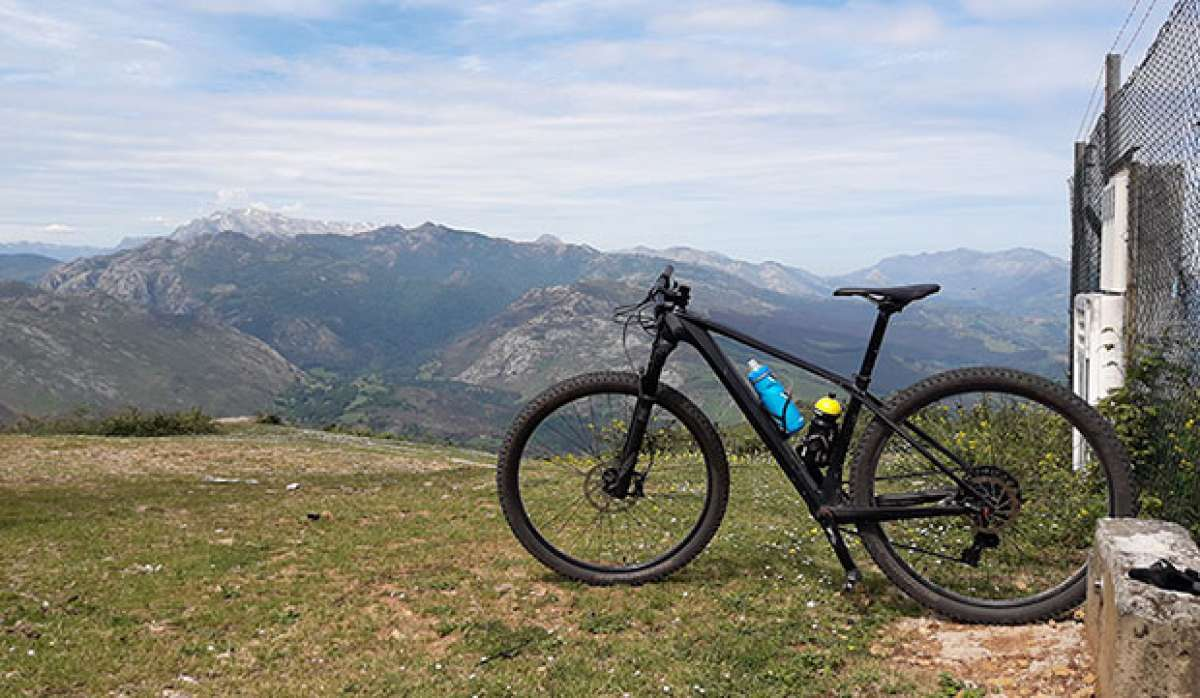 En TodoMountainBike: La foto del día en TodoMountainBike: 'Ascensión al Pico Bon'