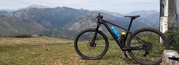 La foto del día en TodoMountainBike: 'Ascensión al Pico Bon'
