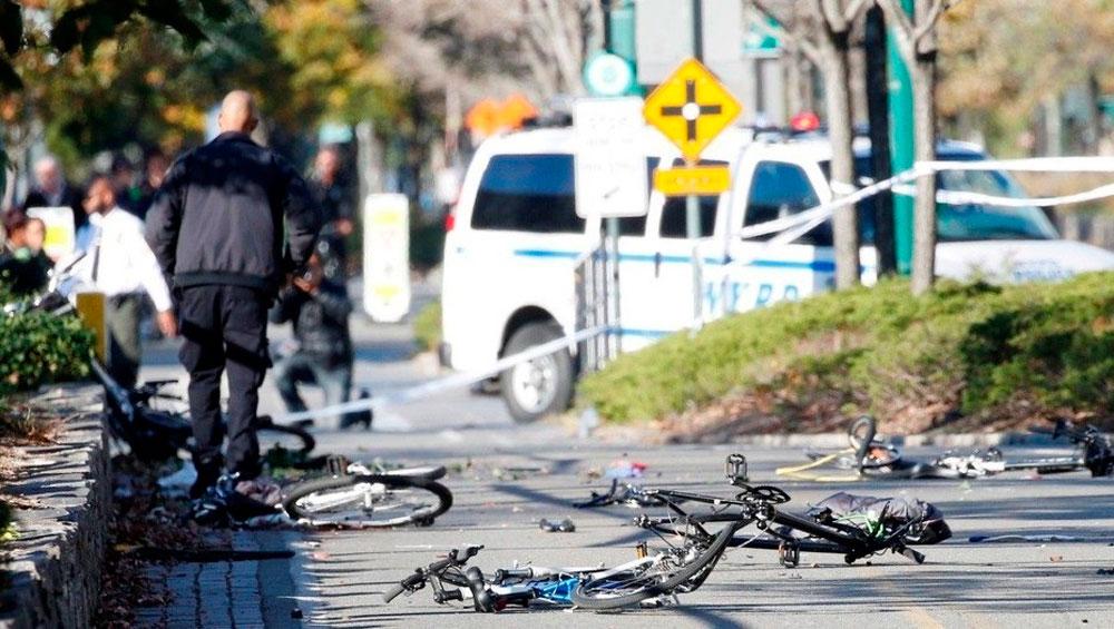 En TodoMountainBike: Nueva York blinda (demasiado tarde) sus carriles bici con bloques de hormigón para evitar más atentados yihadistas