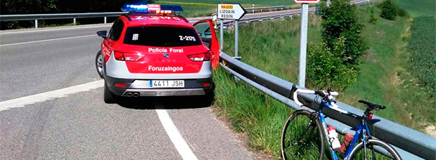 Un ciclista herido en Navarra al ser atropellado por (otra más) conductora con positivo en alcohol