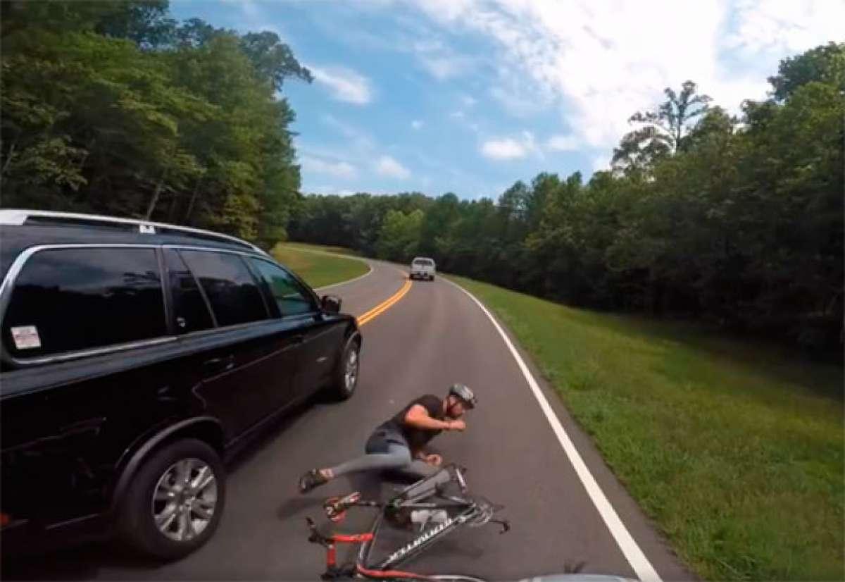"""Así atropella """"intencionadamente"""" a un ciclista un decano de Universidad, y se da a la fuga"""