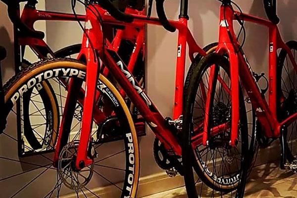 Robadas las bicicletas de David Valero en una prueba de CX de La Garriga (Barcelona)