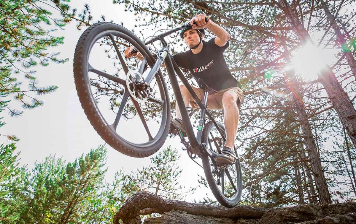 acONE de Bike Ahead Composites, unas ruedas de carbono con radios integrados y un kilo de peso