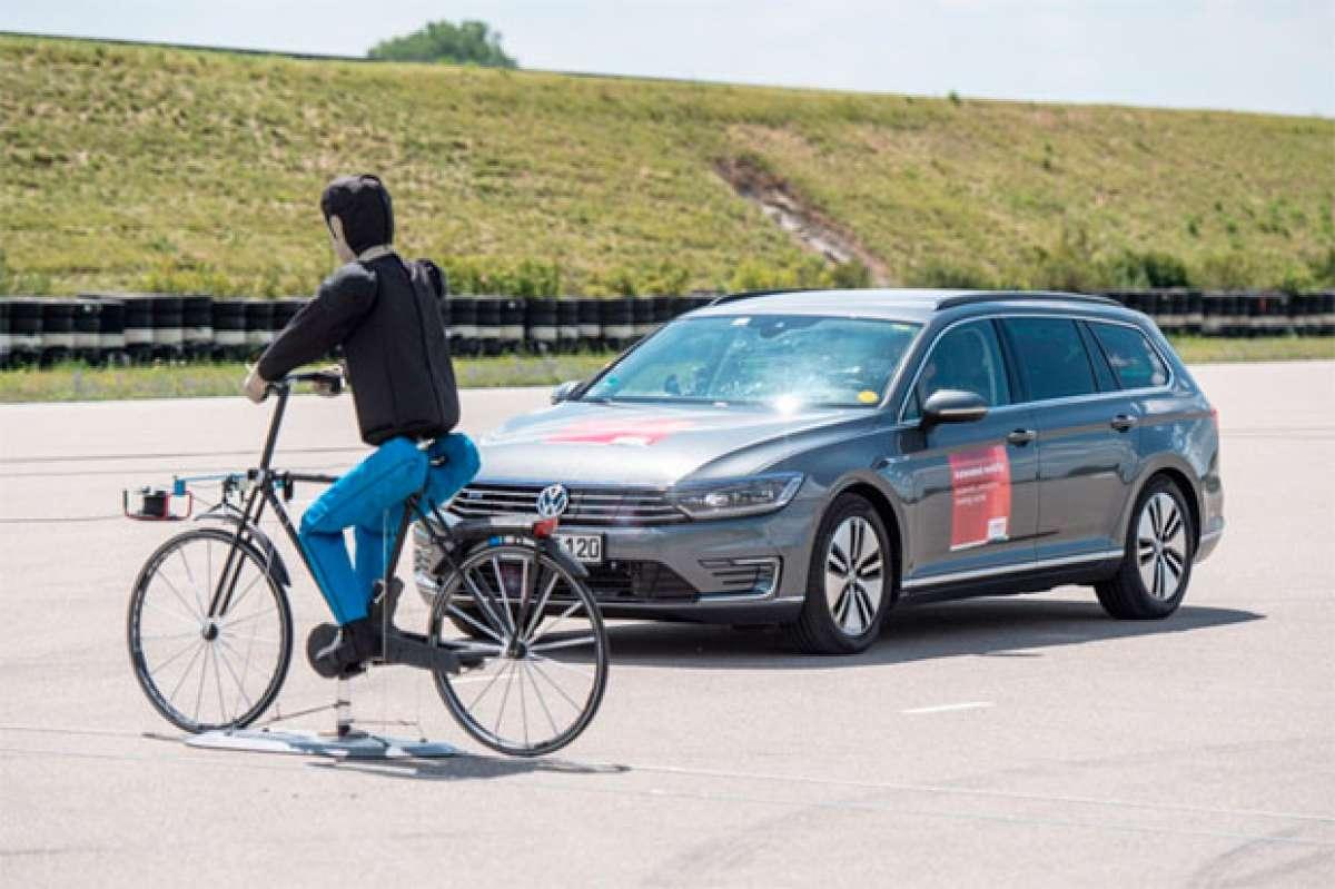 Bosch iBooster, el sistema de frenada de emergencia que evitará atropellos a ciclistas