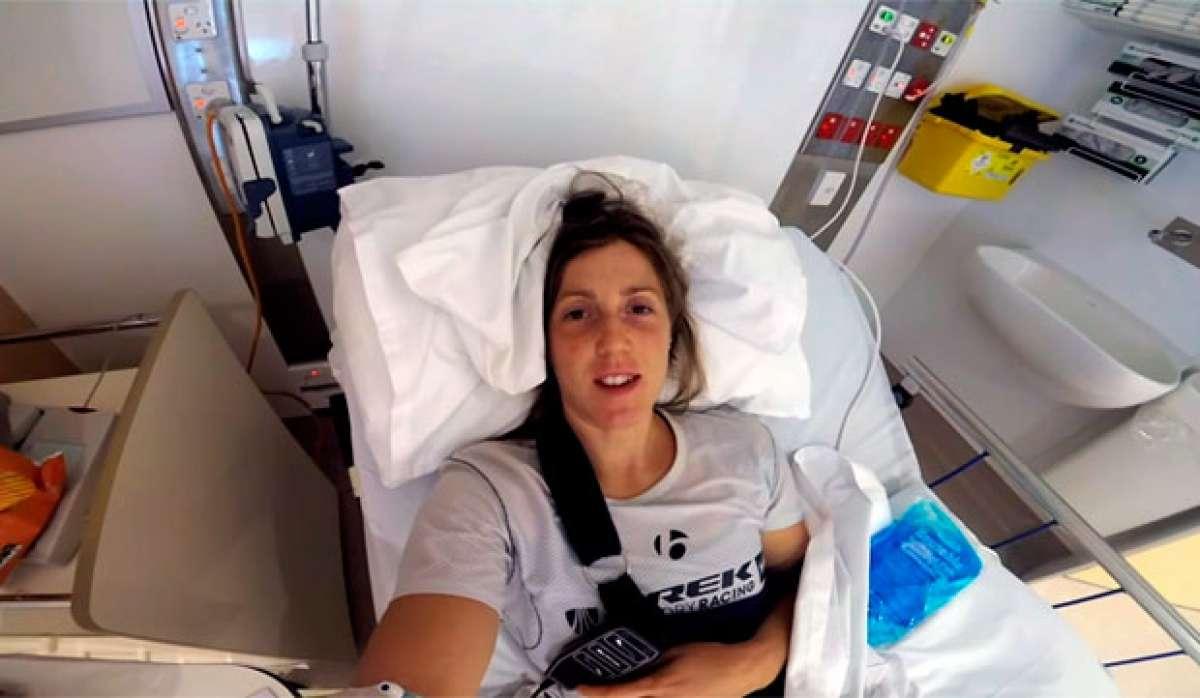 En TodoMountainBike: Así de 'tonta' fue la caída de Rachel Atherton en los entrenamientos del Mundial de Cairns DHI 2017