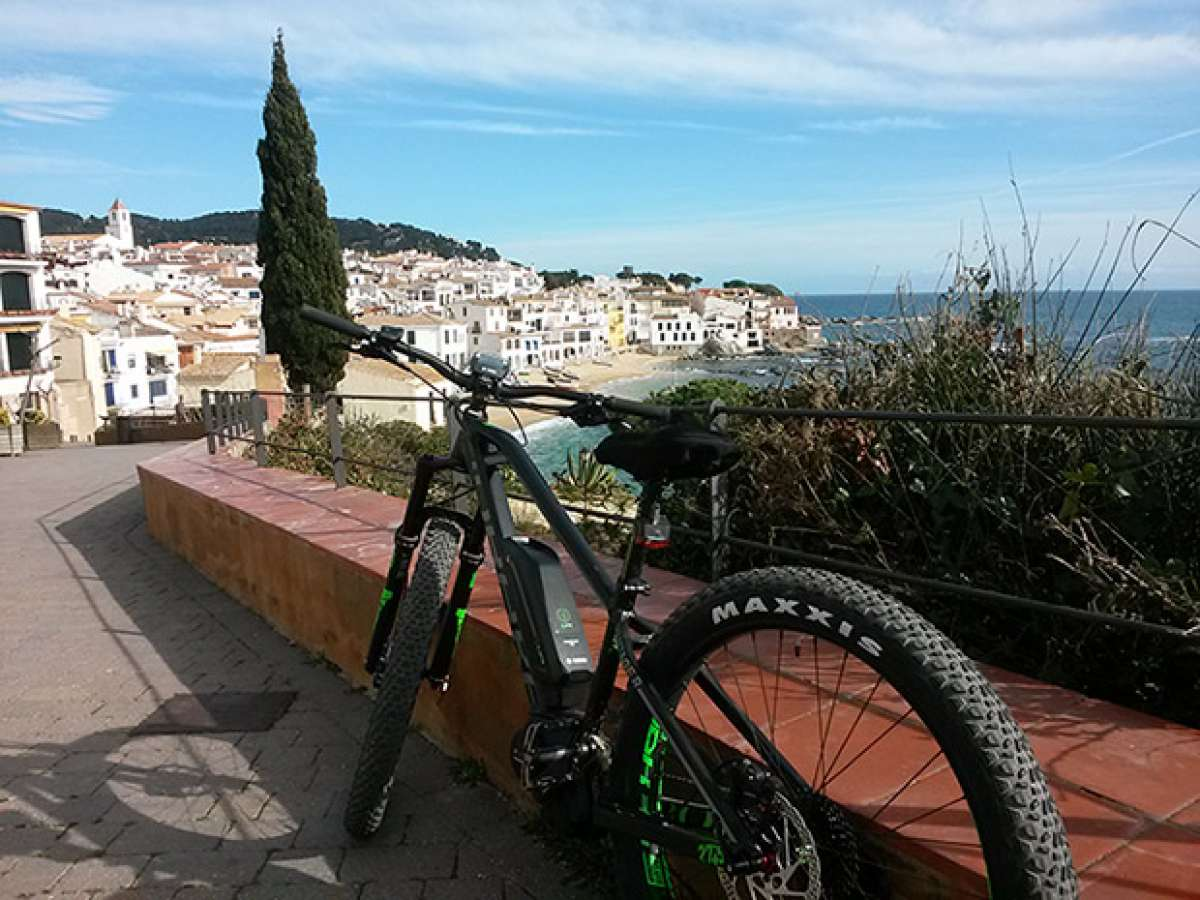 """La foto del día en TodoMountainBike: """"En bici por la Costa Brava"""""""