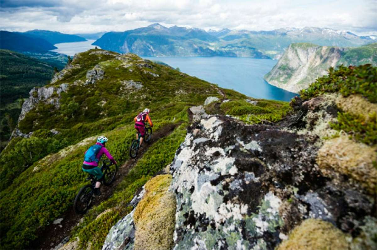 Chasing Trail: rodando con los corredores de SCOTT por los fiordos noruegos