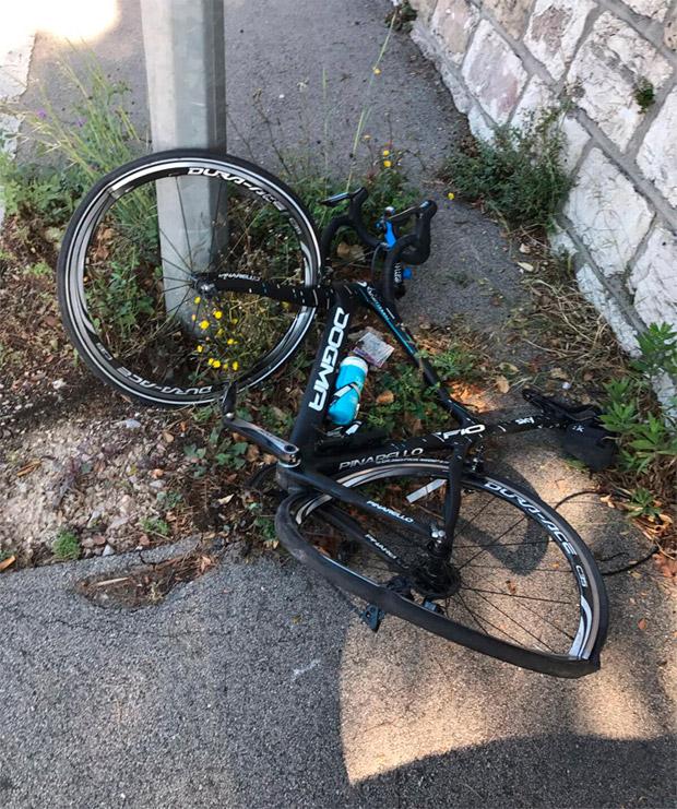 Chris Froome, atropellado por un conductor a la fuga mientras entrenaba