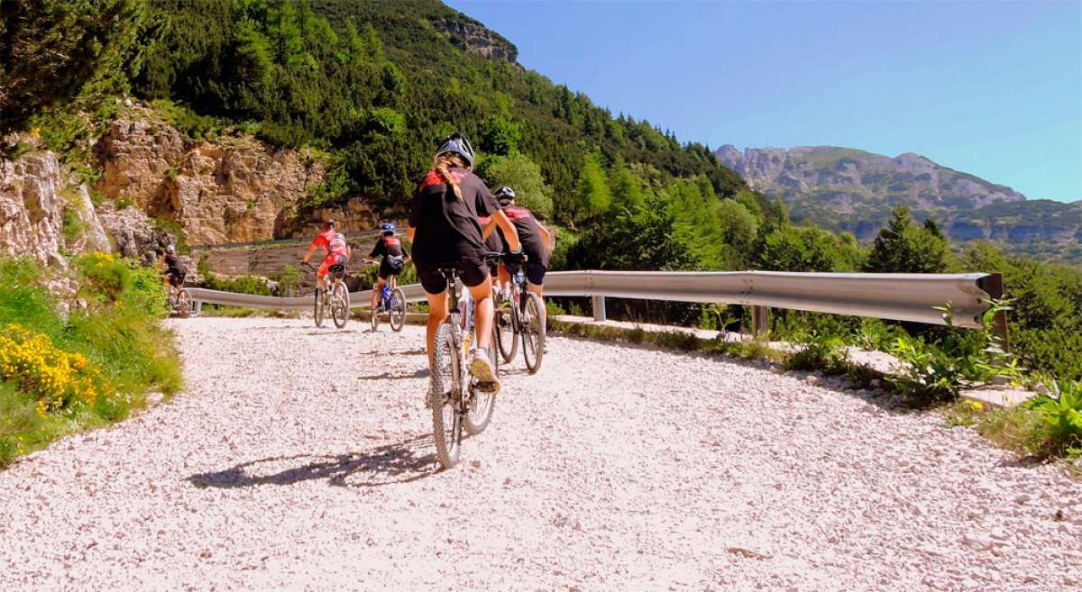 Cinco maneras de convertirse en un gilip****s sobre la bicicleta