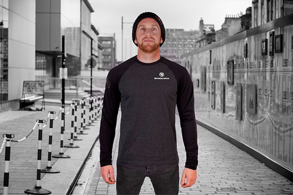 Endura One Clan, ropa casual inspirada en el popular Danny MacAskill