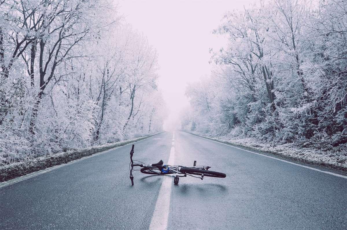 Pies, manos y cabeza, las tres zonas que hay que proteger especialmente al practicar ciclismo en invierno