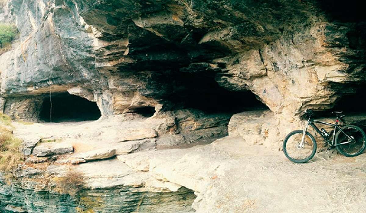"""La foto del día en TodoMountainBike: """"Cuevas de Goros (Álava)"""""""