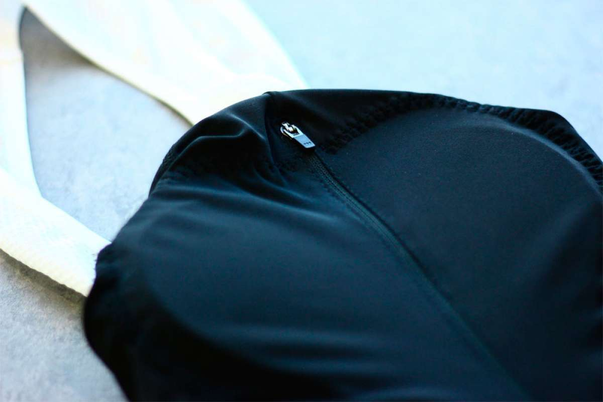 Pedella Strada, un culotte femenino con cremallera para que las pausas de baño ya no sean un problema