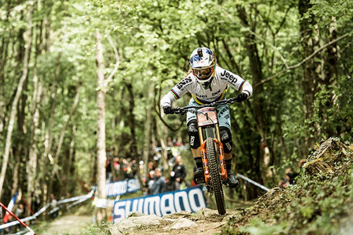 El descenso ganador de Rachel Atherton en la Copa del Mundo DHI 2017 de Lourdes