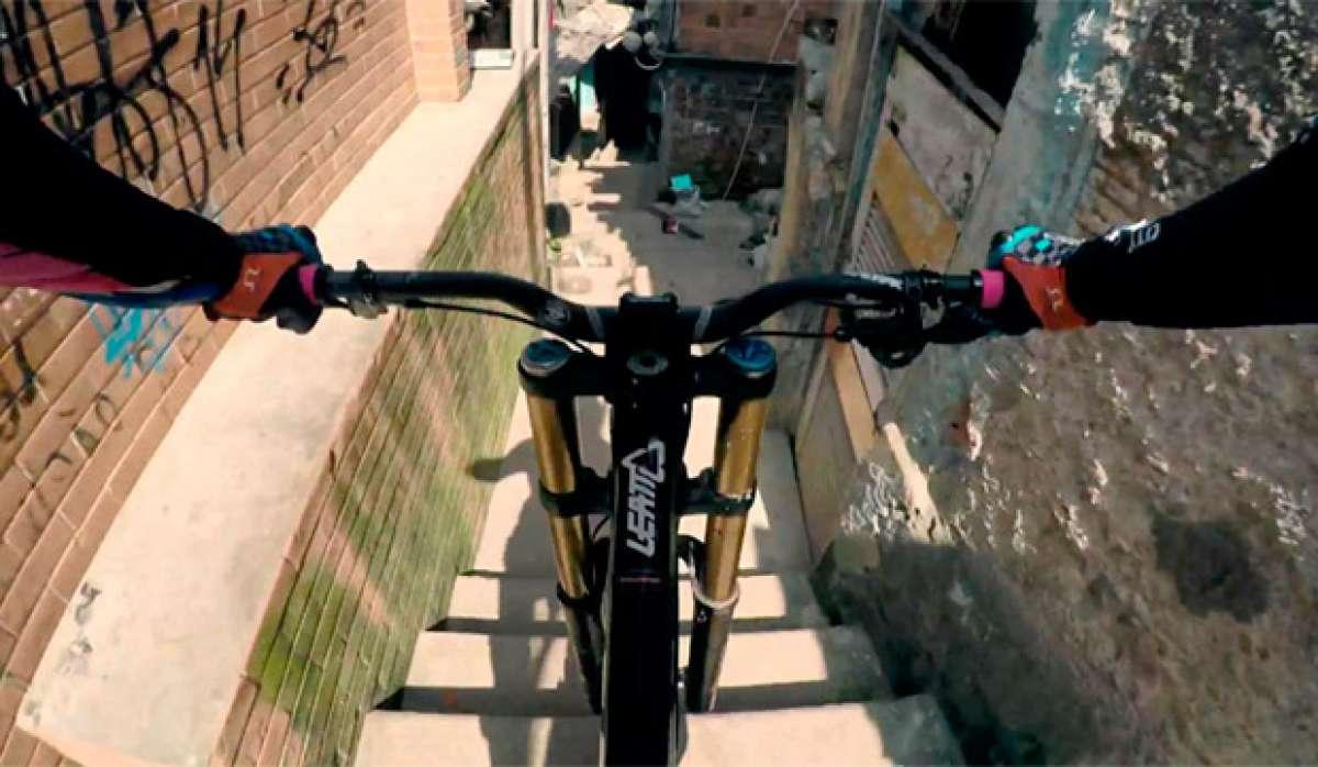 Espectacular descenso urbano por la favela Santa Marta (Río de Janeiro) con Filip Polc