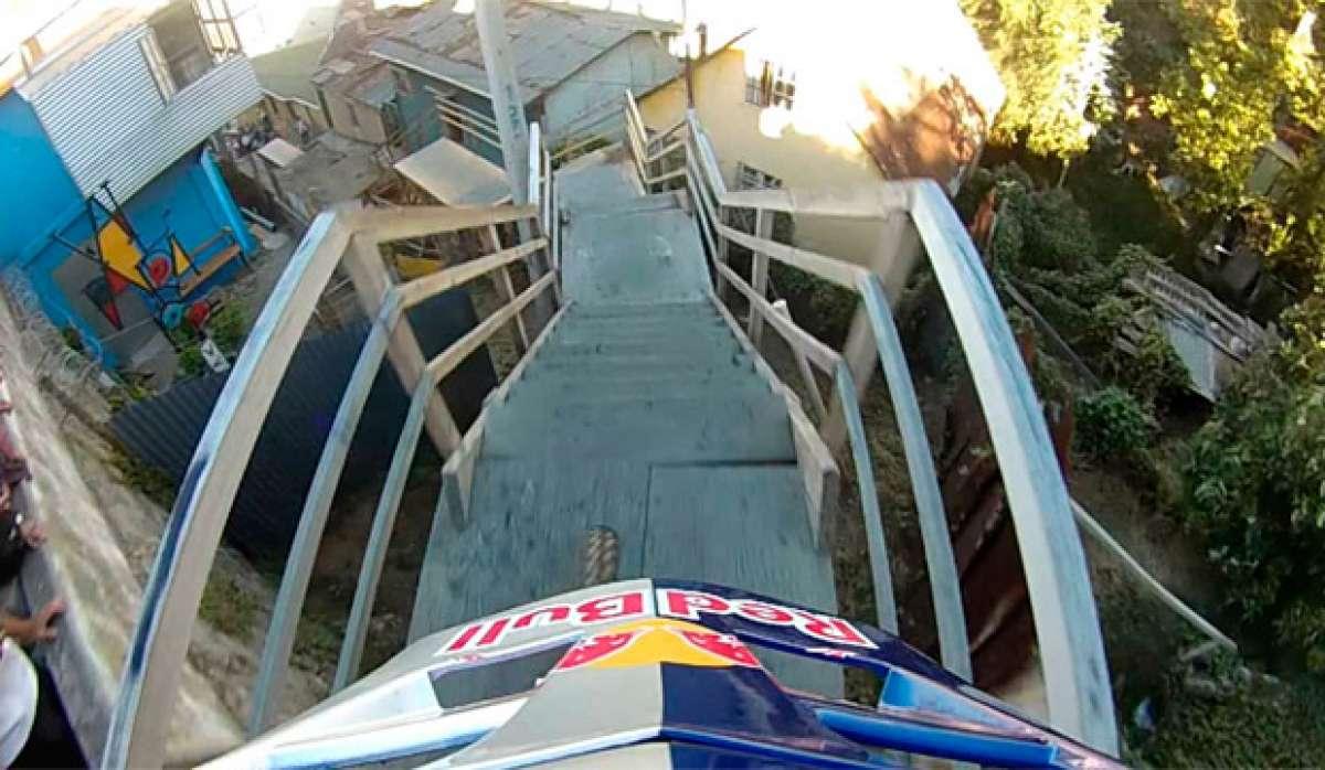 Bajando las escaleras de Valparaíso (en primera persona) con Marcelo Gutiérrez