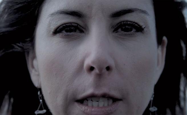 """Anna González, en la nueva campaña divulgativa de la DGT: """"Un camionero atropelló y mató a mi marido. Ni siquiera paró"""""""
