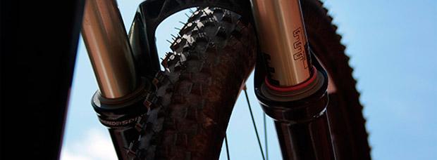 Dos sencillos hábitos para alargar la vida de los cambios y las suspensiones de una bicicleta