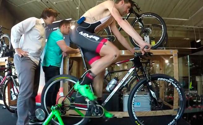 Así se hacen un estudio biomecánico los corredores del MMR Factory Racing Team