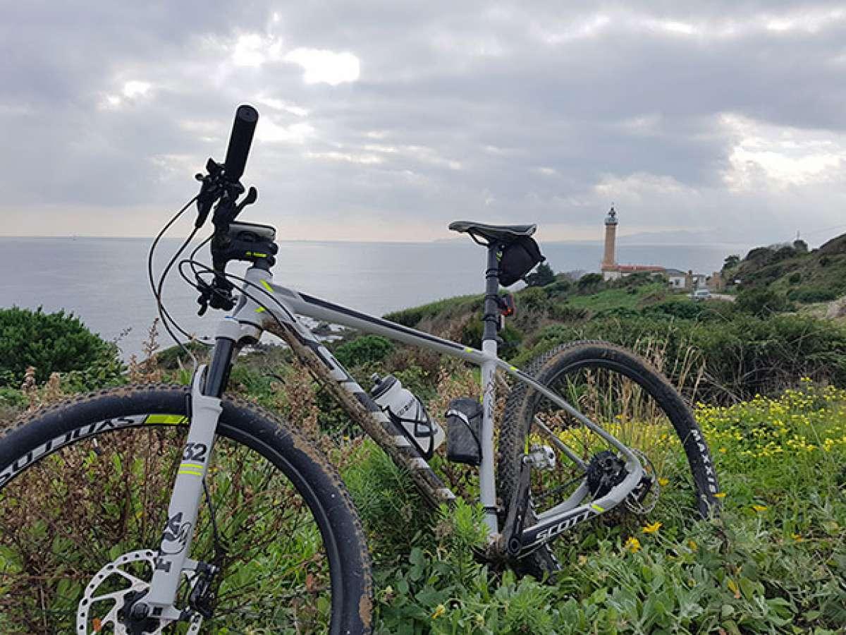 """La foto del día en TodoMountainBike: """"Faro de Punta Carnero"""""""