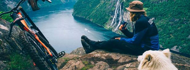 Rodando por el fiordo de Geiranger (Noruega) con Mads André Haugen y compañía
