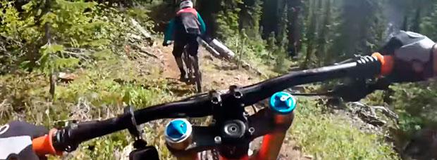 Rodando por el Heavy Meadow Trail (BC, Canadá) con Aaron Chase, Geoff Gulevich y Richie Schley