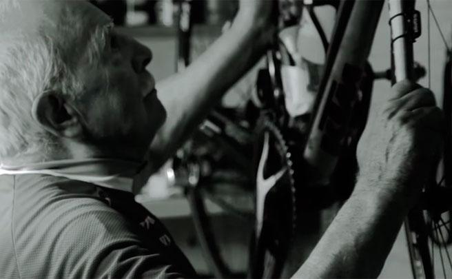 Quim Ferri, un ciclista de 91 años que tras tres paros cardíacos sigue pedaleando con más ganas que nunca