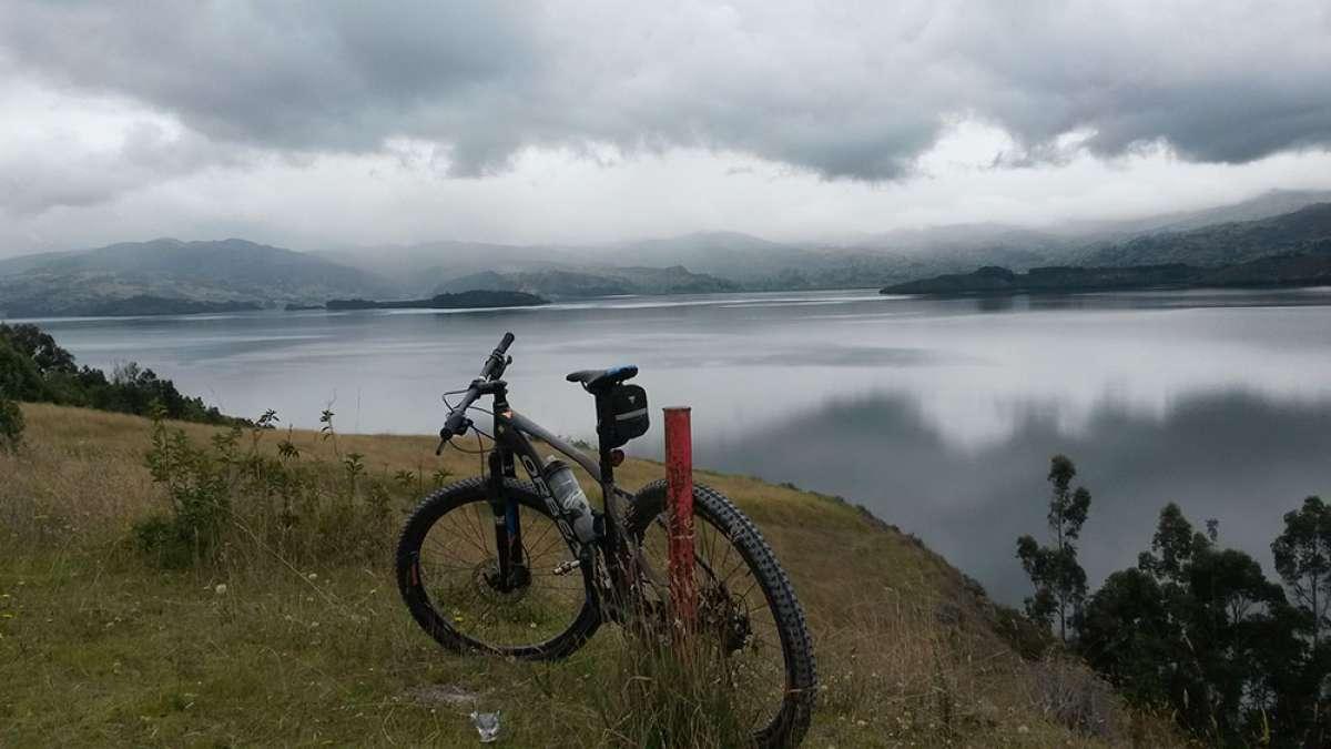 """La foto del día en TodoMountainBike: """"Lago de Tota"""""""