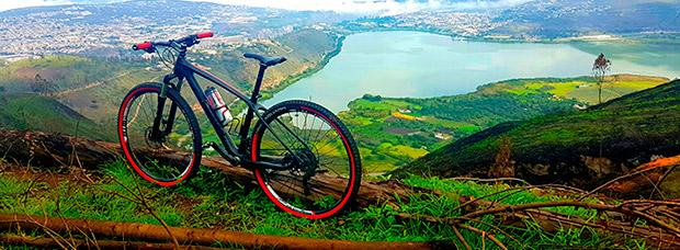 La foto del día en TodoMountainBike: 'Laguna de Yahuarcocha'