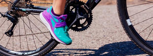 Liv Avida HV Last, una zapatilla para mujeres que quieren iniciarse en los pedales automáticos