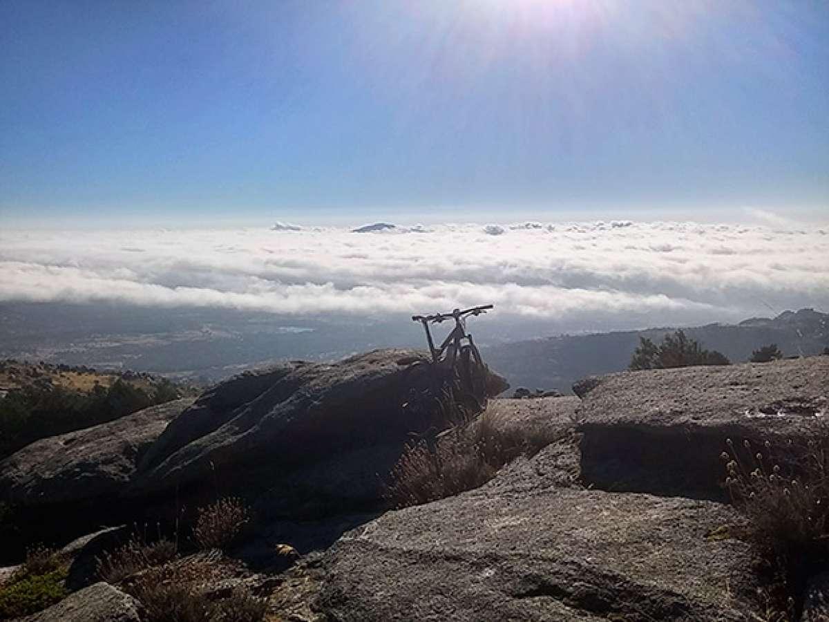 En TodoMountainBike: La foto del día en TodoMountainBike: 'El mar en la sierra de Guadarrama'