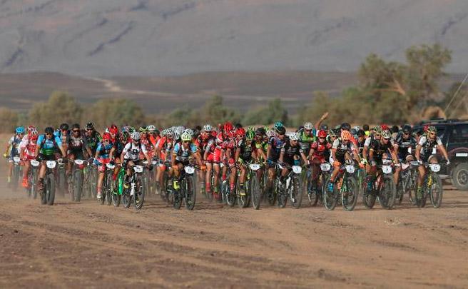 Los mejores momentos de la quinta etapa de la GAES Titan Desert by Garmin 2017