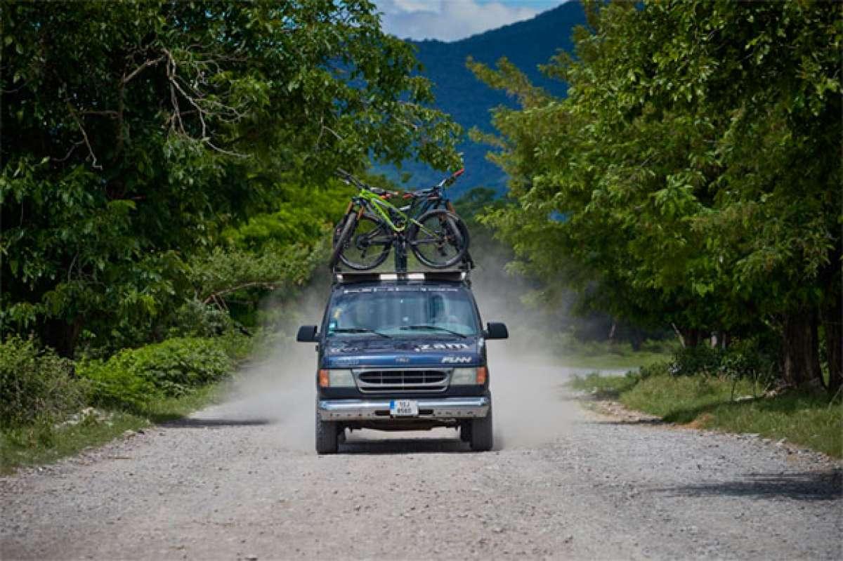 Una aventura sobre pedales: de Praga (República Checa) a Baku (Azerbaiyán) con Richard Gasperotti y compañía