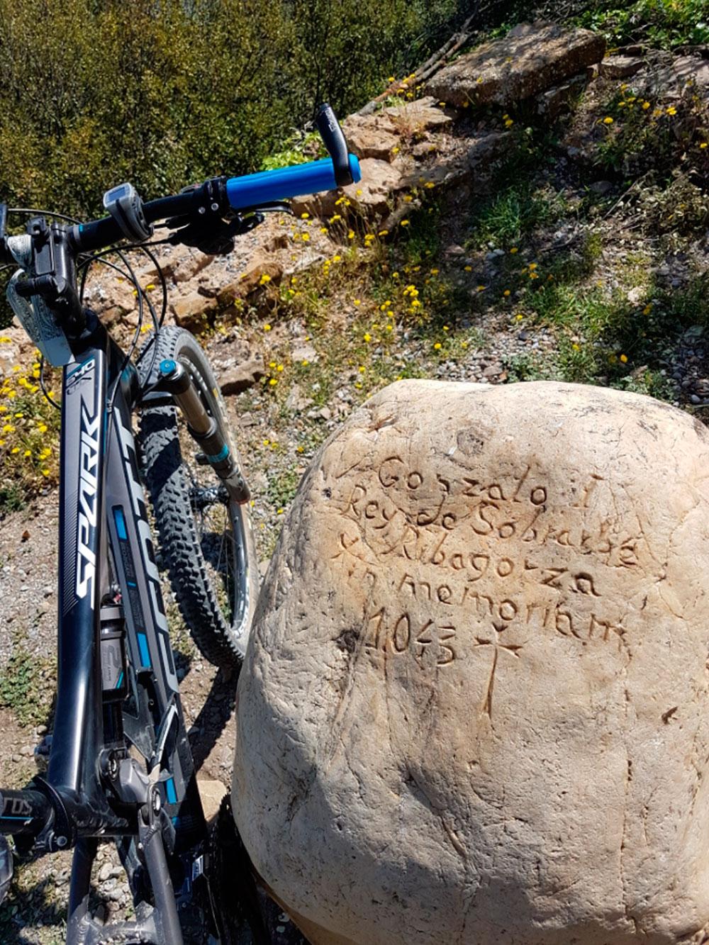 """La foto del día en TodoMountainBike: """"Muro de Roda"""""""