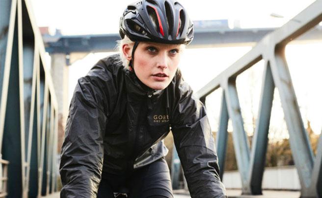 One Lady Gore-Tex Shakedry, versión femenina de la chaqueta impermeable más avanzada del mundo