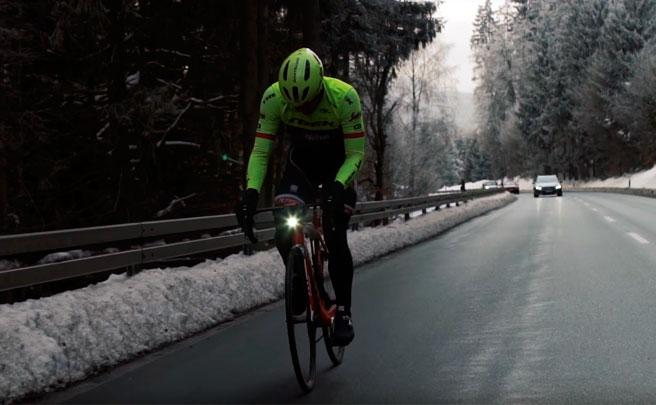 """John Degenkolb del Trek-Segafredo, sobre las luces diurnas para bicicletas: """"Es lógico llevarlas, igual que las motos"""""""