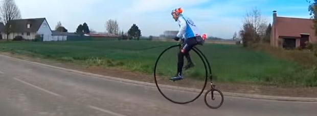 Así se hace la París-Roubaix sobre una Penny Farthing
