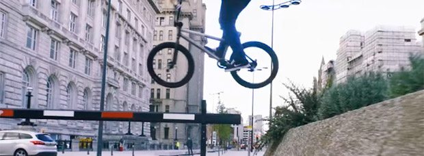 BMX urbano por las calles de Liverpool con Paul Ryan y su Mongoose Fraction