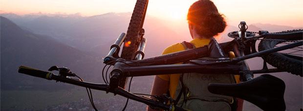 PeakRider, un práctico sistema para portear la bicicleta con total comodidad en los tramos más difíciles