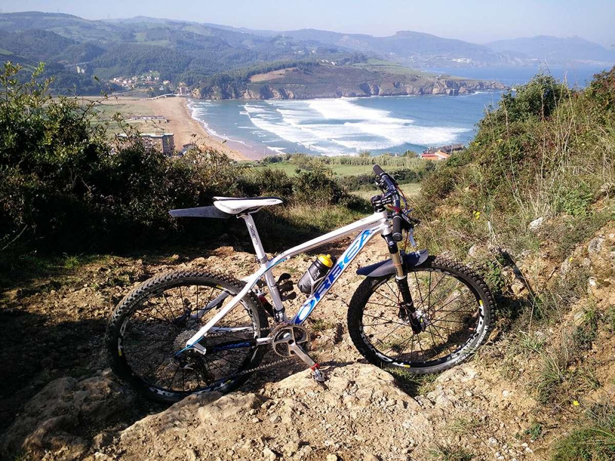 En TodoMountainBike: La foto del día en TodoMountainBike: 'Playa de la Arena de Zierbena'