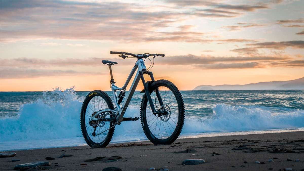 Pole Machine, una bicicleta de Enduro con cuadro íntegramente mecanizado en aluminio