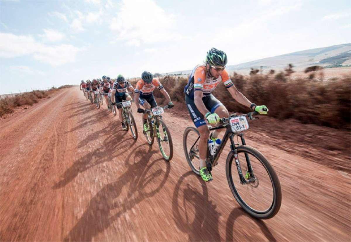 En TodoMountainBike: ¿Por qué ruedan los ciclistas en pelotón?