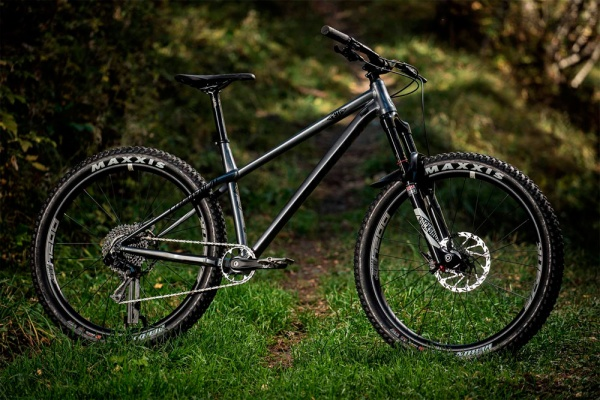 La Commencal META HT AM de 2018 en acción
