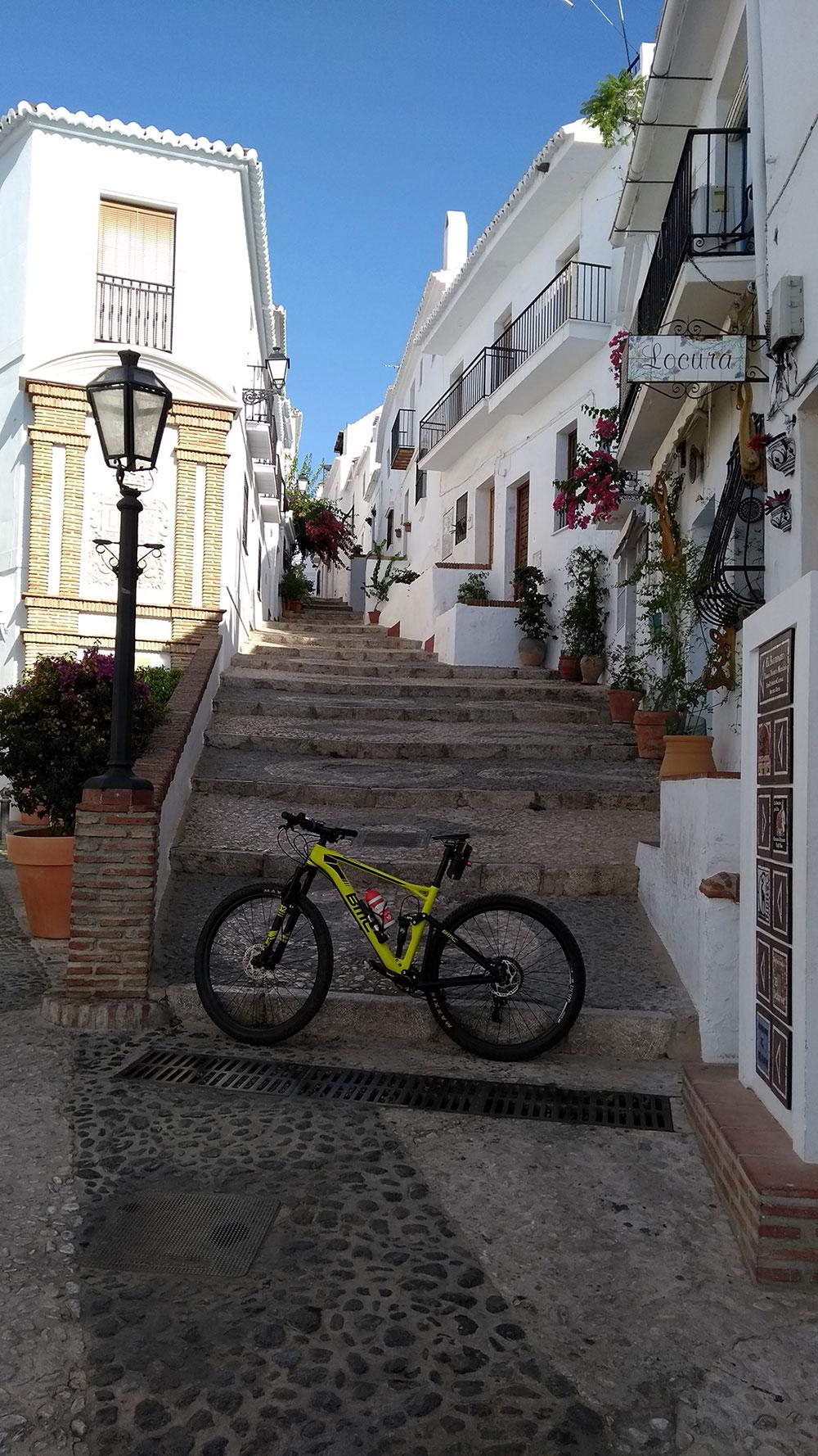 """La foto del día en TodoMountainBike: """"Pueblo de Frigiliana (Málaga)"""""""