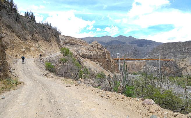 La foto del día en TodoMountainBike: 'Llegada al Puente Guambuyaco'