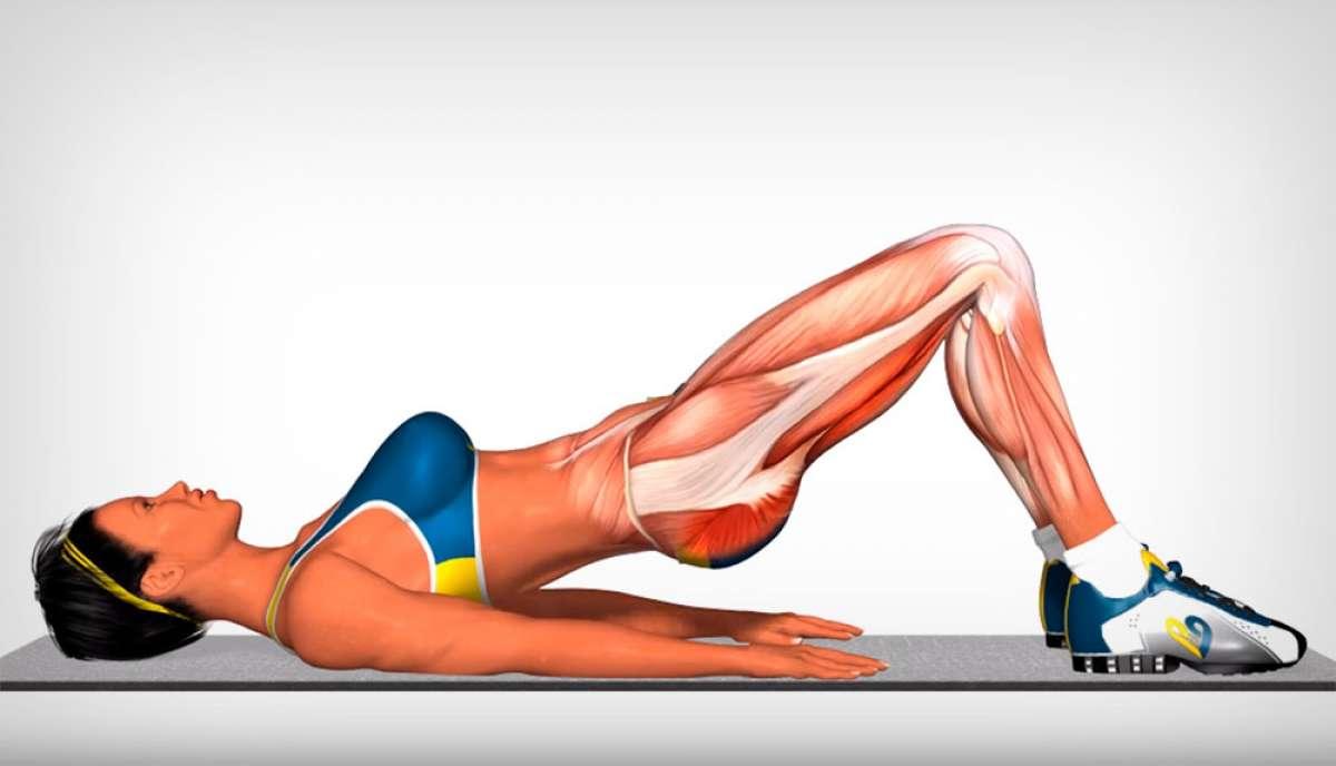 Puente isométrico, un contundente ejercicio para entrenar las piernas en casa