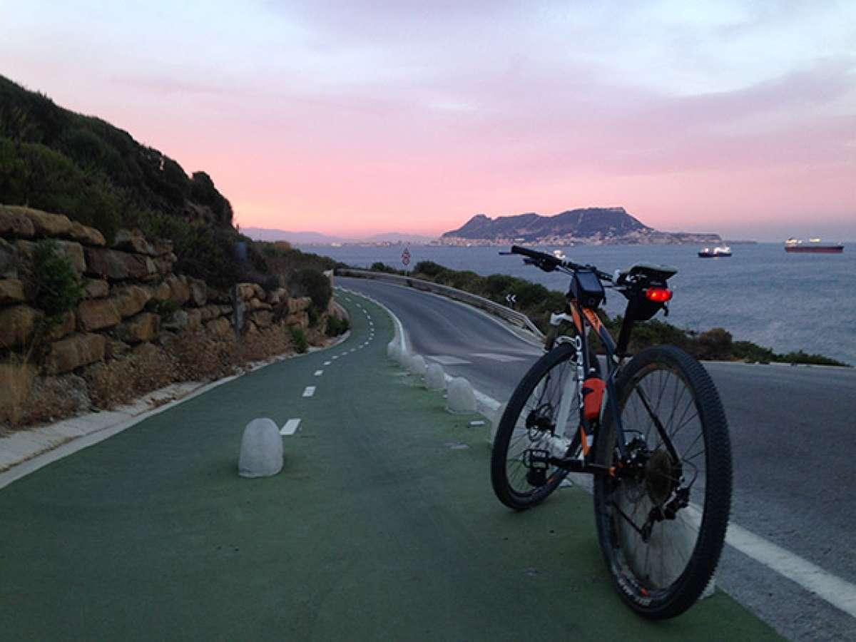 La foto del día en TodoMountainBike: 'Atardecer en el Faro'
