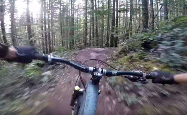 Rémy Métailler, una GoPro, el estabilizador Karma Grip y una línea de Squamish