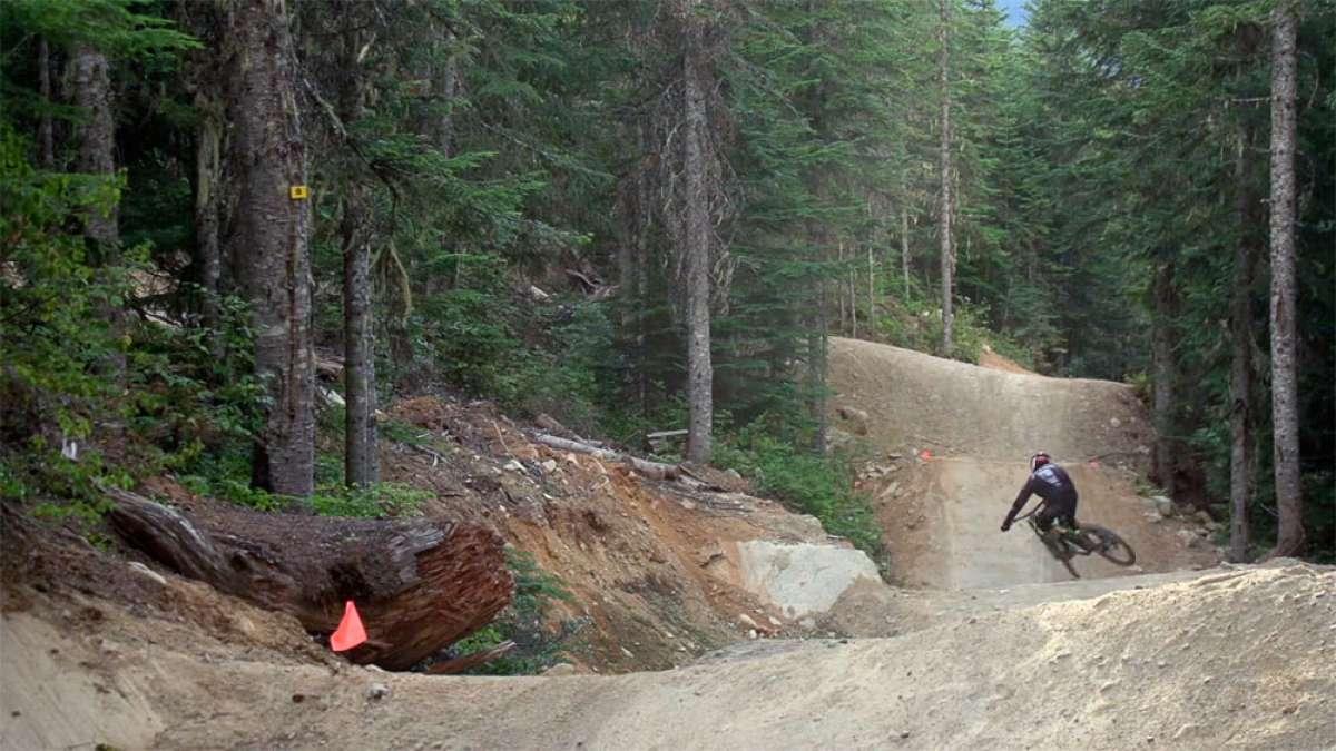 En TodoMountainBike: Rodando a toda velocidad por el Bike Park de Whistler con Rémy Métailler