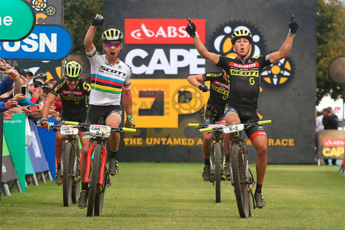 Nino Schurter y Matthias Stirnemann, líderes de la Absa Cape Epic 2017 tras la quinta etapa